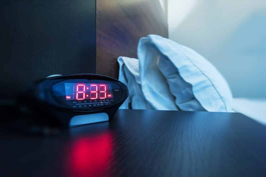 best projection alarm clock with temperature